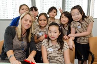 aleesah darlison childrens author lunch students hong kong (2)